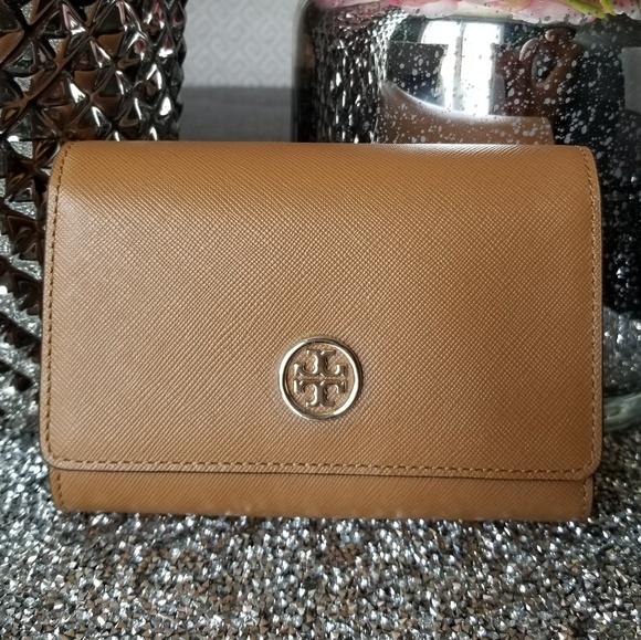 23e7c5b666b 🍓🍓NWT -Tory Burch medium size wallet. Listing Price   105